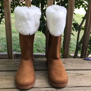 NWT Juicy Couture Women's Chestnut Winter Boots